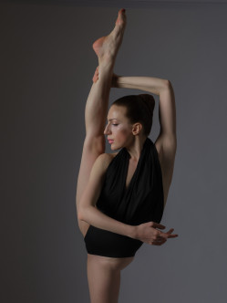 Ballerina - tight and flexible body!